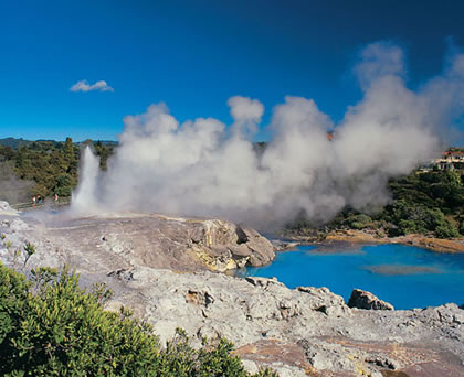 Pohutu Geyser - New Zealand