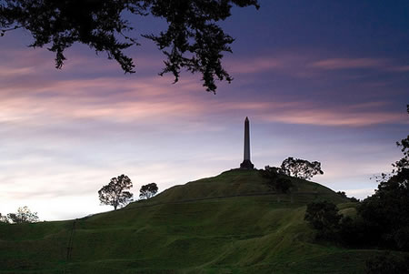 7 Sights to See in and Around Auckland