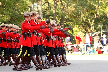 Canadian Mounties ©Daniel Paquet (flickr)